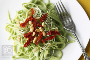 zucchini noodles with avocado sauce  86lemons.com