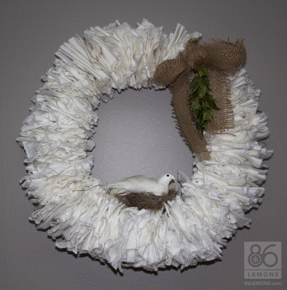 DIY Linen Wreath  86lemons.com