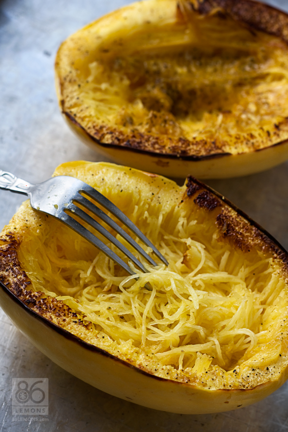 Baked Spaghetti Squash with Creamy Roasted Red Pepper Sauce (vegan, gf ...
